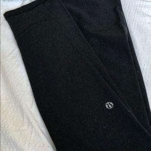Black wunderunder lululemon leggings!